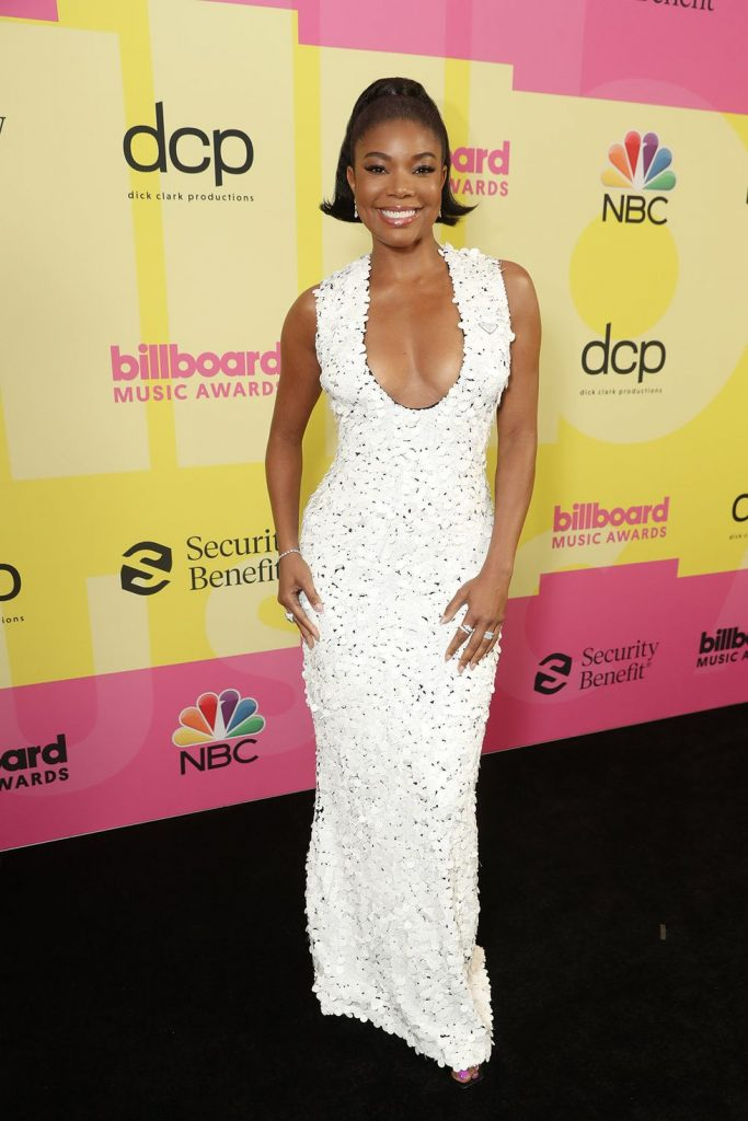 The best looks of the 2021 Billboard Awards